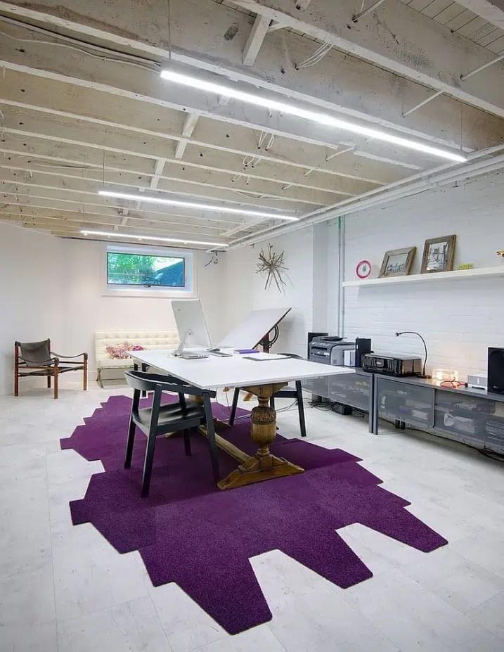 Décoration bureau avec tapis violet