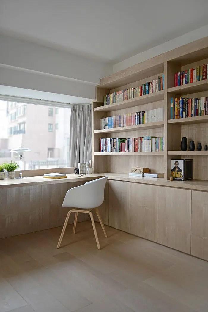 Espace de travail minimaliste en bois