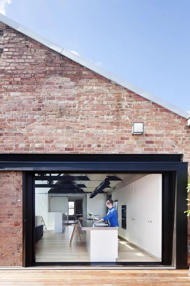 Transformation dune usine en loft contemporain
