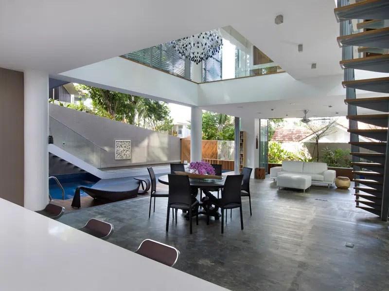 Maison contemporaine entoure dune vgtation luxuriante