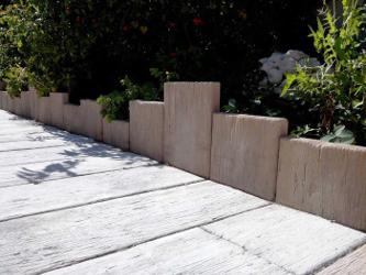 bordure pierre reconstituée aspect bois blanchi