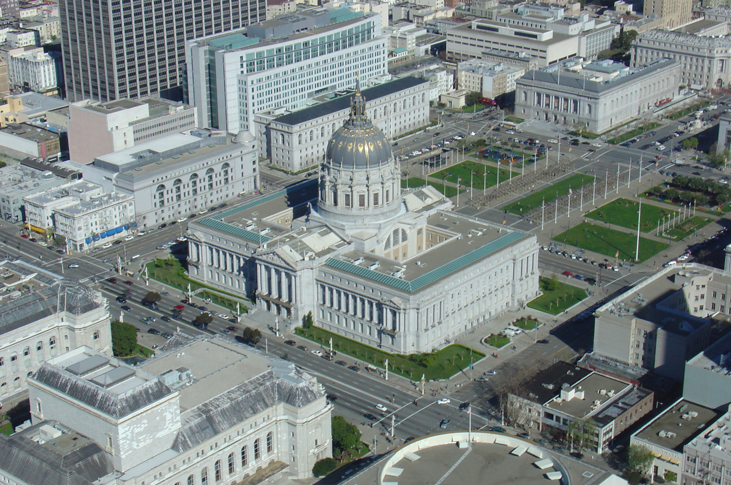 Aerial view of the San Francisco Bey city hall
