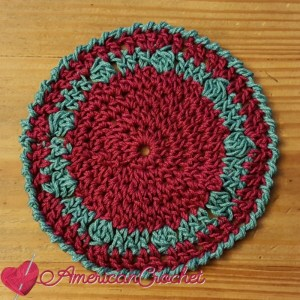 Holiday Coaster | Crochet Pattern | American Crochet @americancrochet.com #crochetpattern