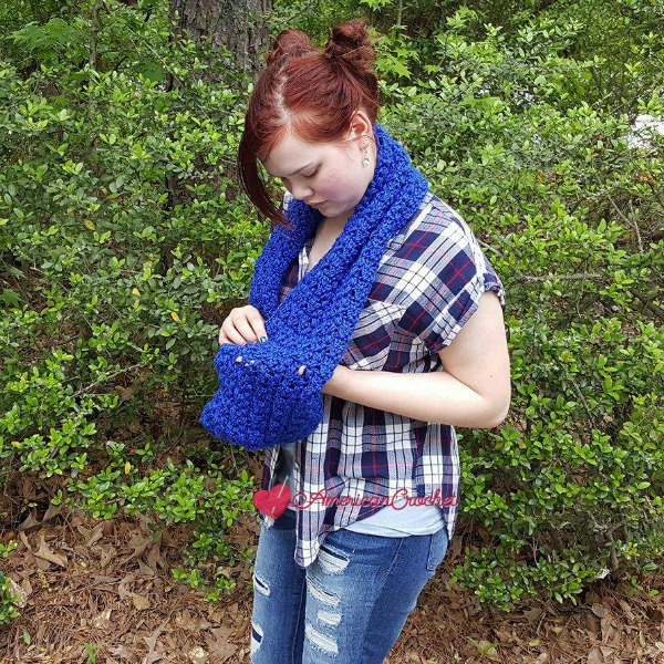 Royally Sapphire Cowl | Crochet Pattern | American Crochet @americancrochet.com #crochetpattern
