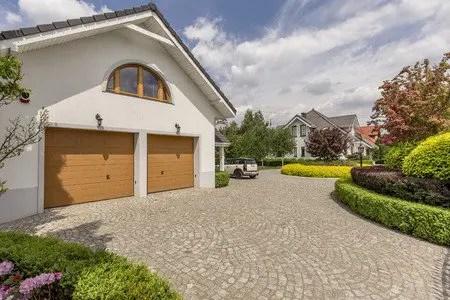How To Choose A New Garage Door & Choosing A New Garage Door | American Door Masters Greenville SC