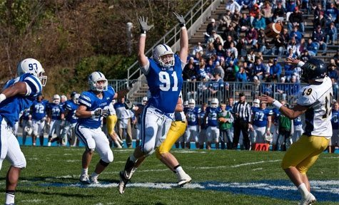 Luther college football