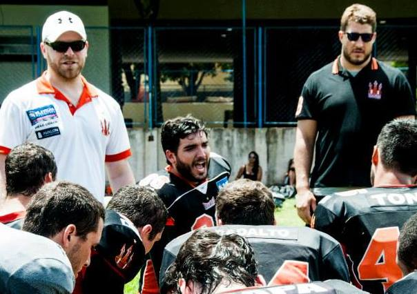 Training camp for the Vila Velha Tritōes with guest coach Alex Mack, All Pro Center of the Atlanta Falcons.