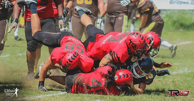 Timbo's defense must continue to swarm to notch a road win in Cuiabá. Photo credit: Overtime do F.A.