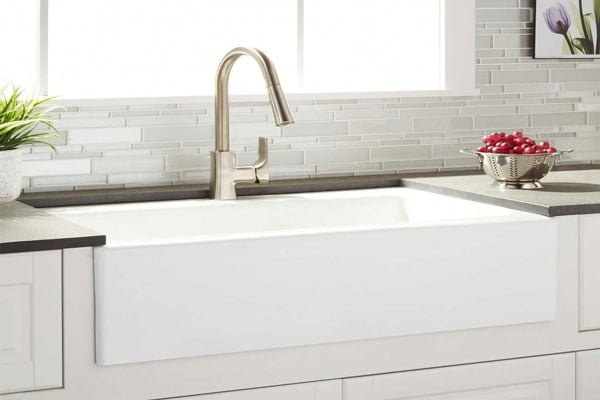 Cast-iron-farmhouse-sink