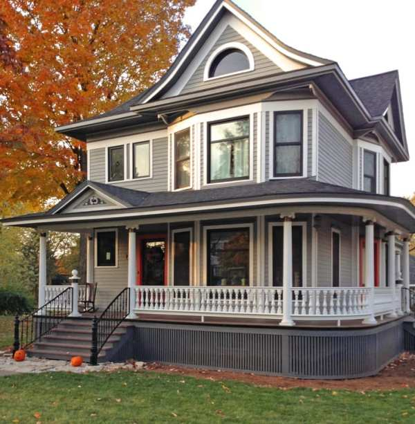 victorian porch with curved railing