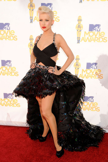 Christina Aguilera Hot Style Pictures: MTV Movie Awards 2010 Red Carpet Photos and Pics