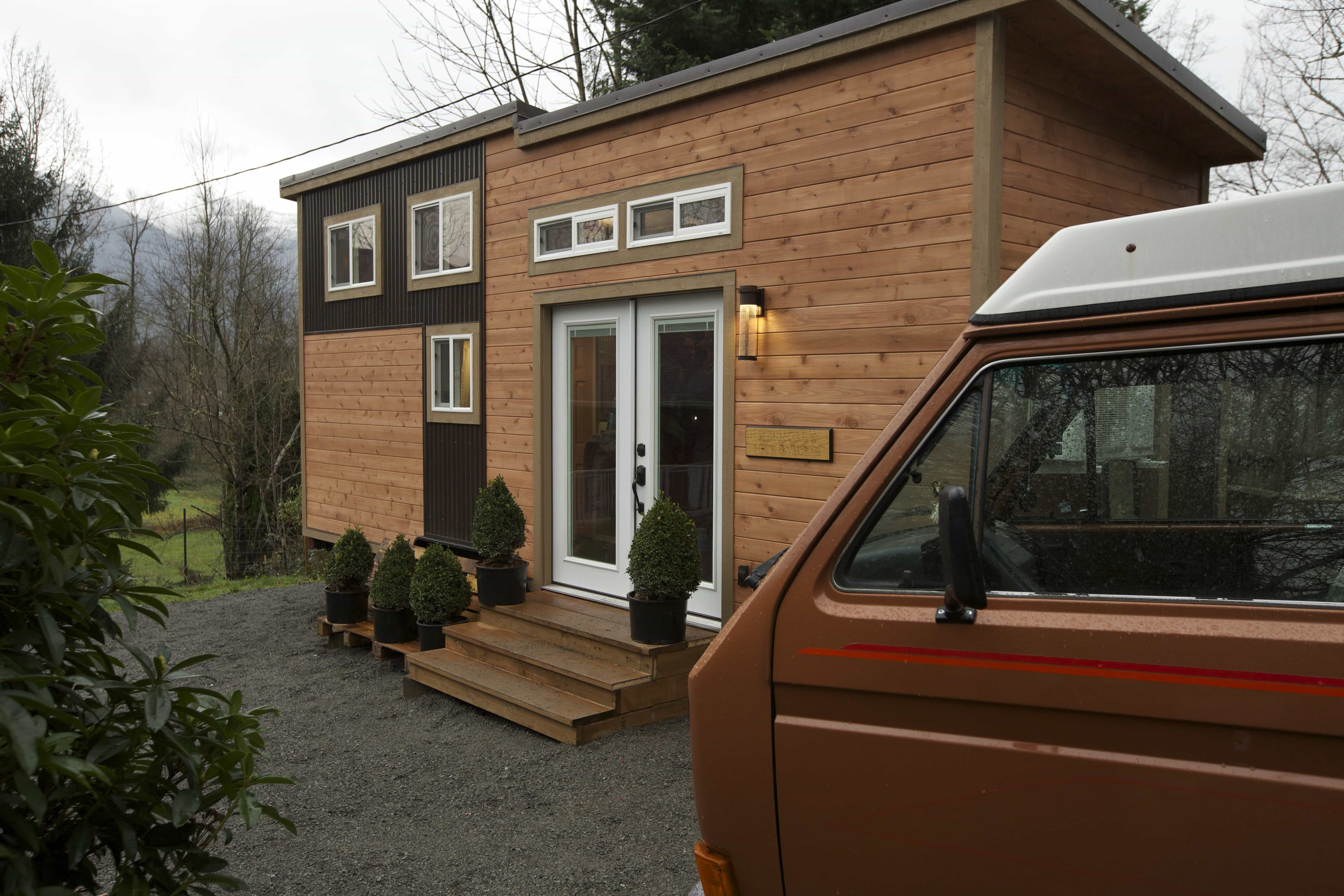 American-Tiny-House-everett-exterior-van