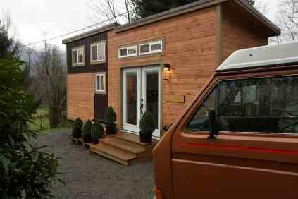American-Tiny-House-everett-exterior-van