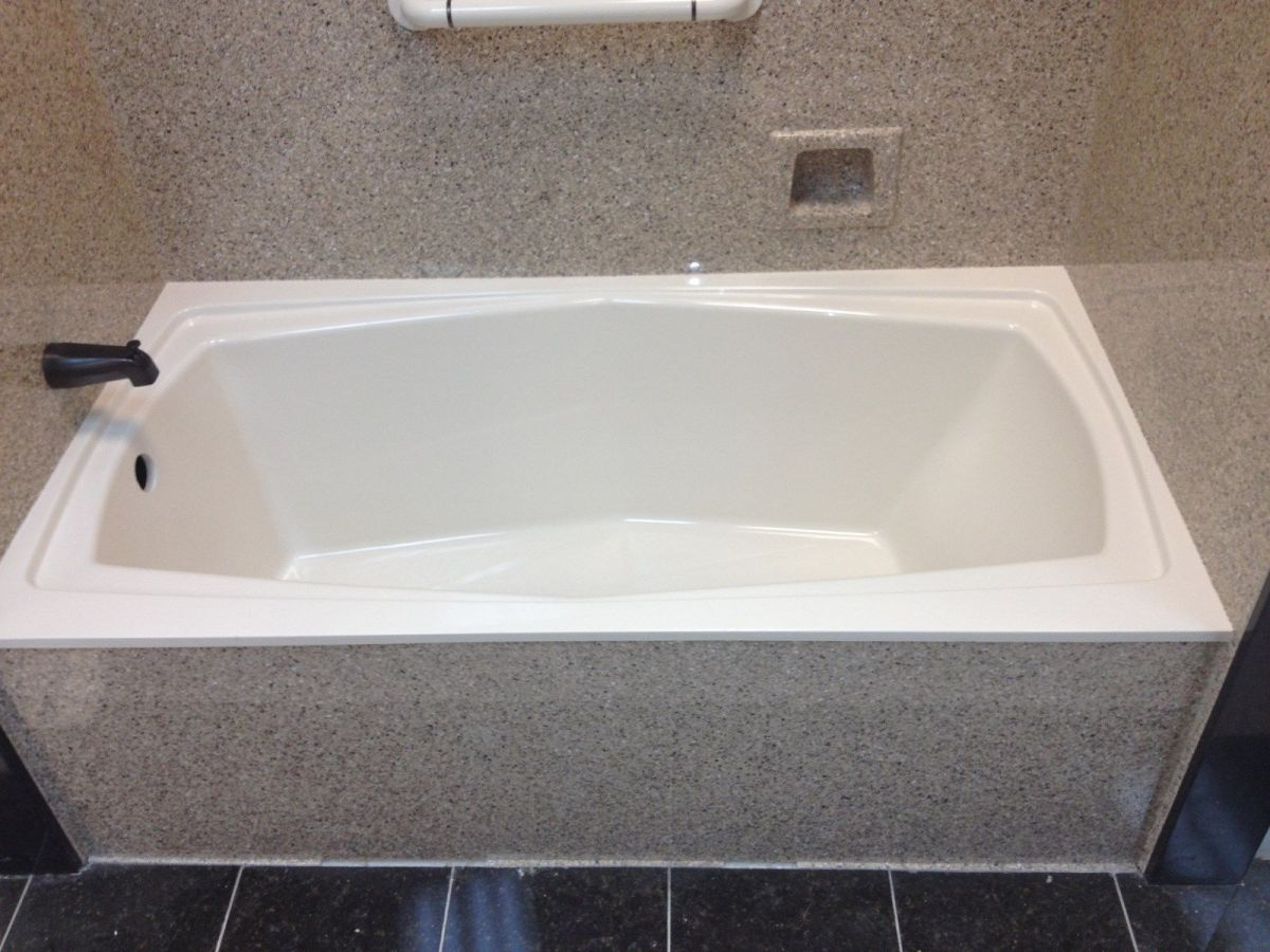 Whirlpool Tub 32x60x20 Solid Construction Cultured Marble