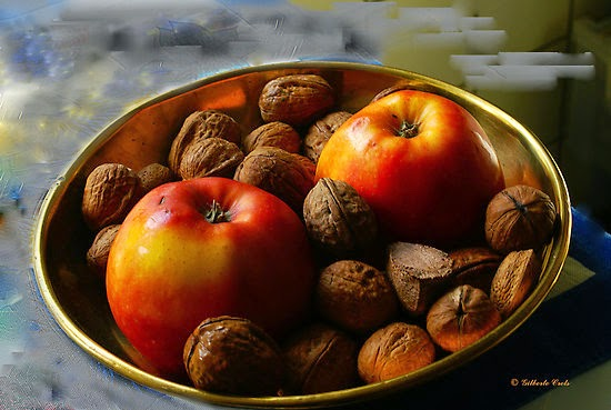 Halloween Divination apples and nuts