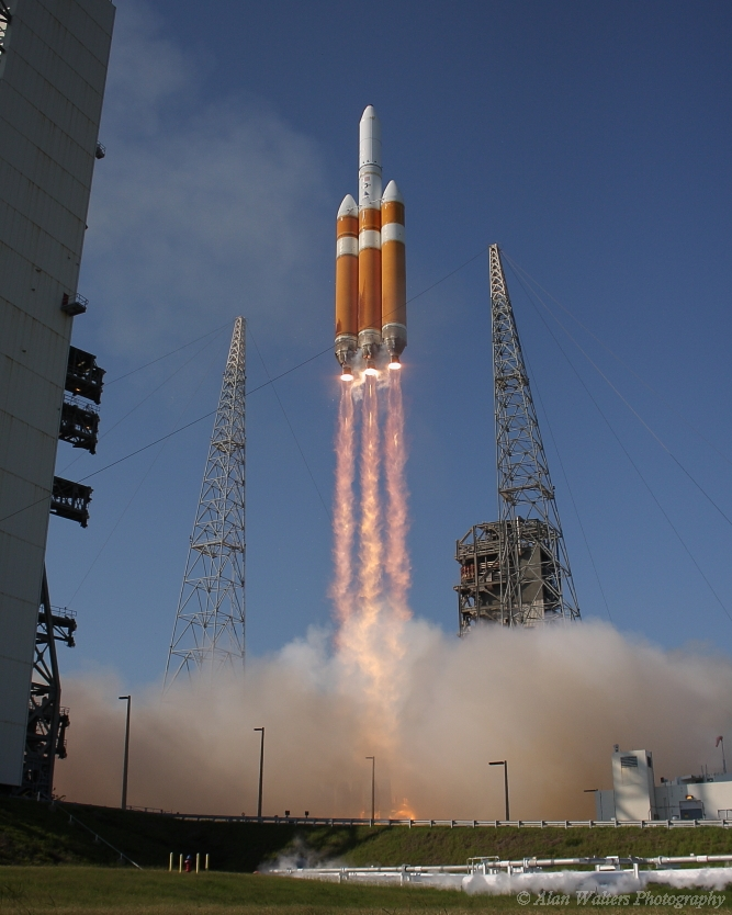The ULA Delta-IV Heavy in action. Photo Credit:  Alan Walters / AmericaSpace