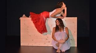 Teatro: 'Sanguínea' (y 2) - Casa Amèrica Catalunya