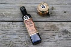 Ongefilterde olijfolie die je bijna puur drinkt. Waanzinnig lekker, zacht en smaakvol. De olijven natuurlijk ook...