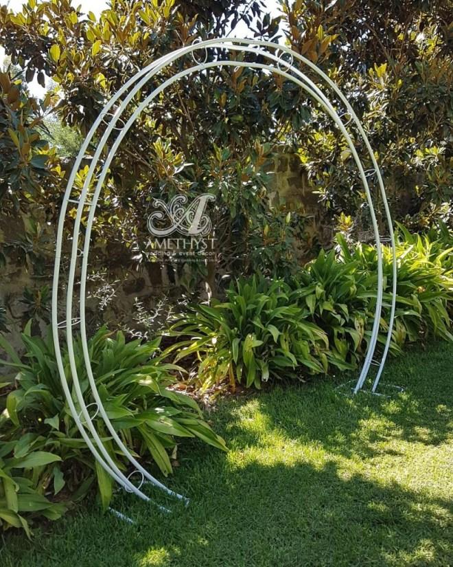 white-circle-arch-2