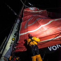 VOLVO OCEAN RACE UPDATE:  DONGFENG CREW BREAKS MAST, HEADED TO SAFETY IN ARGENTINA