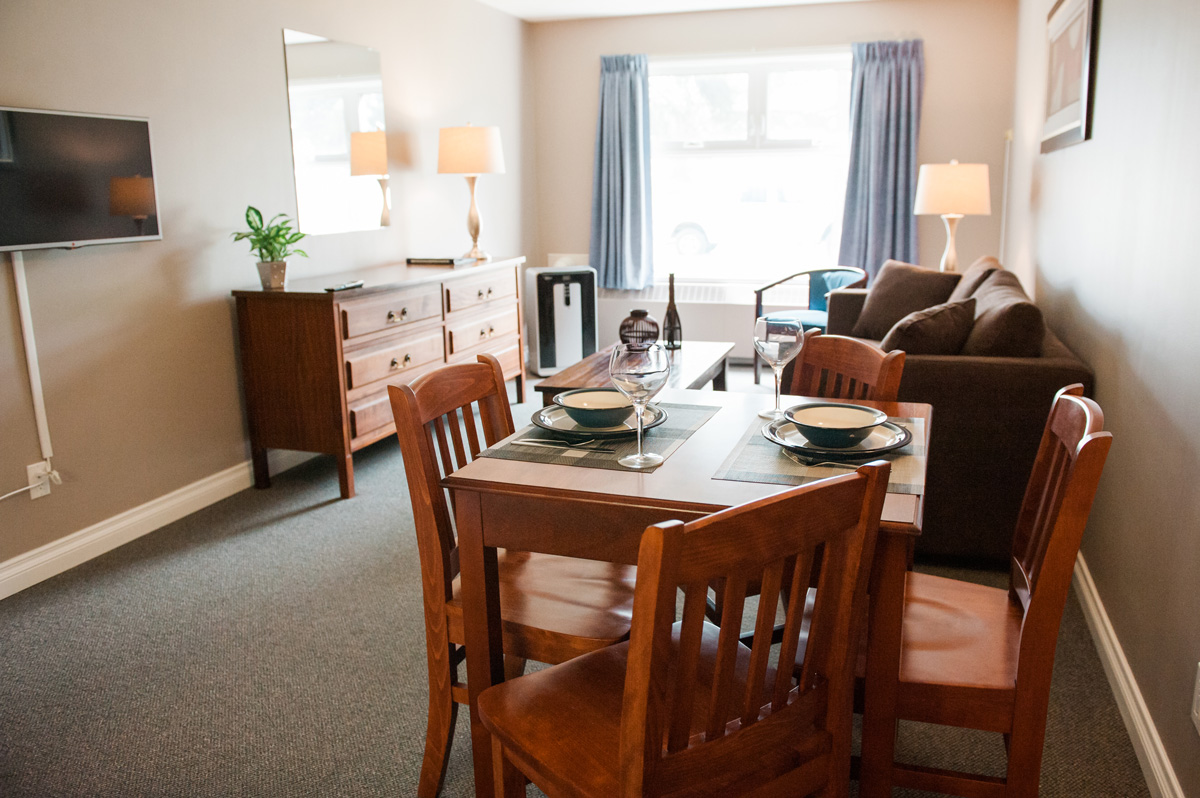 Alexander Mackenzie Hotel Rooms and Rates Photos and