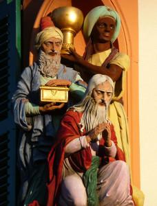 Schwetzingen - Darstellung der Heiligen Drei Könige an einem Gebäude in der Dreikönigstraße - Photo 3268zauber