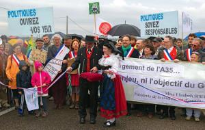 En mai 2012, une manifestation d'opposition au projet de GCO. - Archives L'A.M.I.