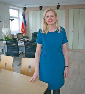 Pia Imbs, 56 ans. Maître de conférences en science de gestion à l'école de management de Strasbourg. Maire de Holtzheim depuis 2014 - Photo F. Maigrot / L'A.M.I.
