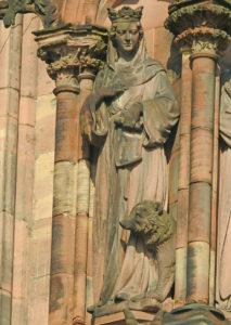 La statue de Sainte Richarde à la cathédrale - Photo FM