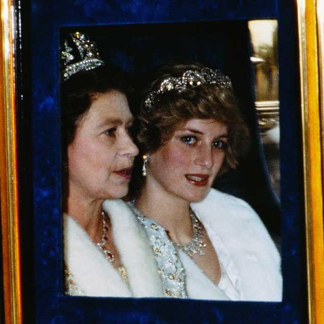 regina elisabetta lady diana