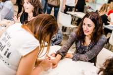 Amiche di Smalto Beauty Party : gli smalti Essie
