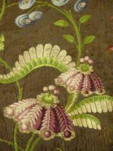 Particolare di pianeta con point-rentrè, 1745-50. Abito civile reimpegato in forma di veste liturgica. Dello stesso tessuto sono anche due tunicelle.