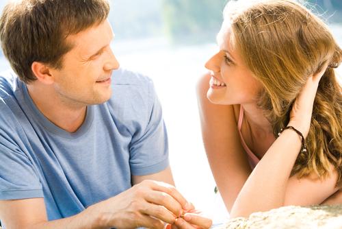 Nella propria vita sentimentale è d'aiuto avere un largo circolo di amicizie