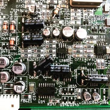 Recapping a 'recapped' Amiga CD32