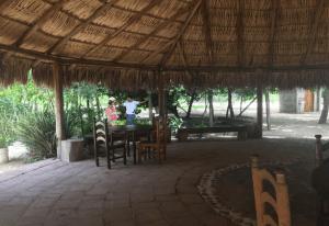 Infraestructura y bienes de consumo local en Rancho Tangalunda