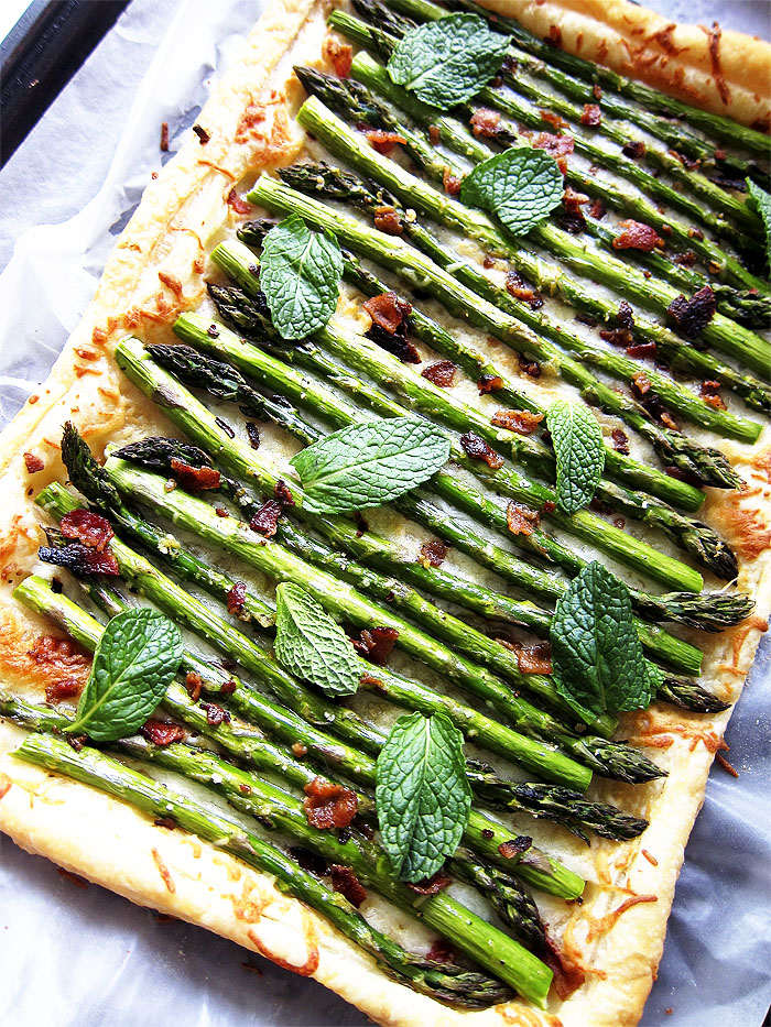 Spicy Asparagus Tart with Cheese
