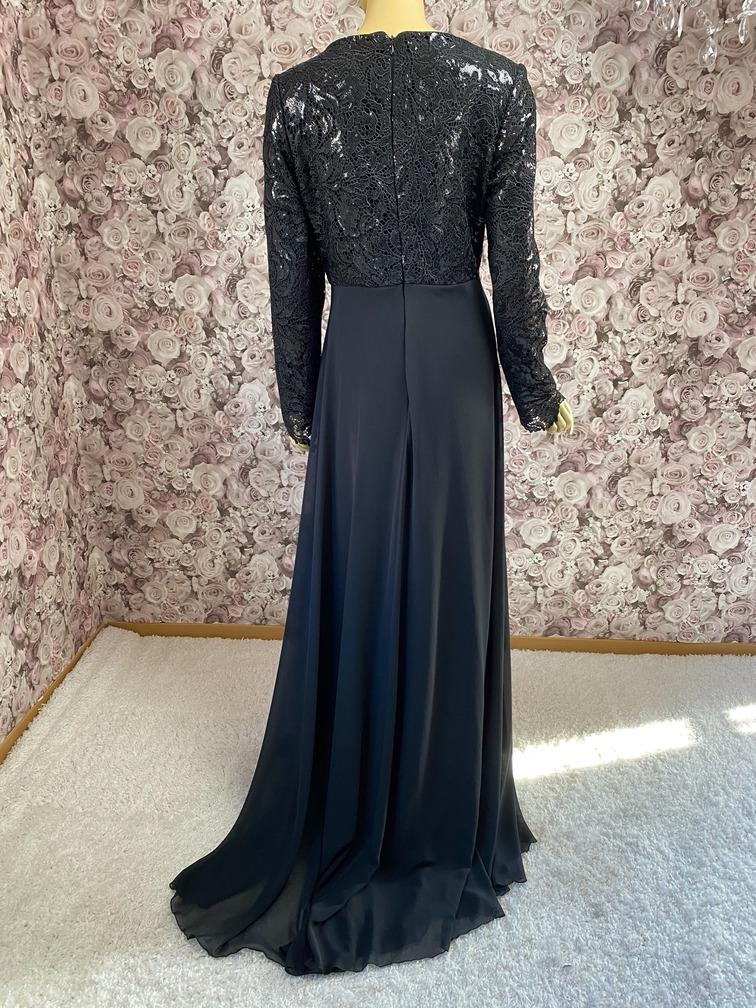 Abendkleid hochgeschlossen schwarz