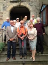 Accueil chaleureux devant Bangor Abbey