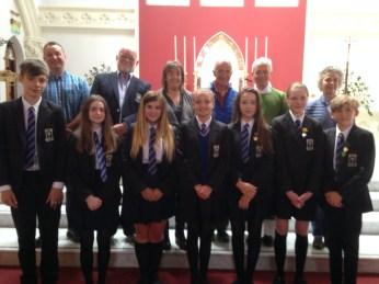 Avec des élèves de l'école Saint Colomban en l'église de Saint Comgall