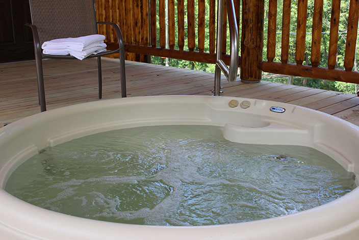 Amish Country Ohio Cabins  4 Person Hot Tub
