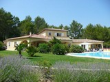 villa with swimming pool rental