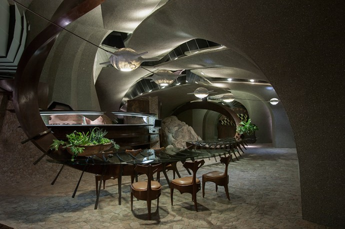 Sci Fi Style Desert House For Sale In California