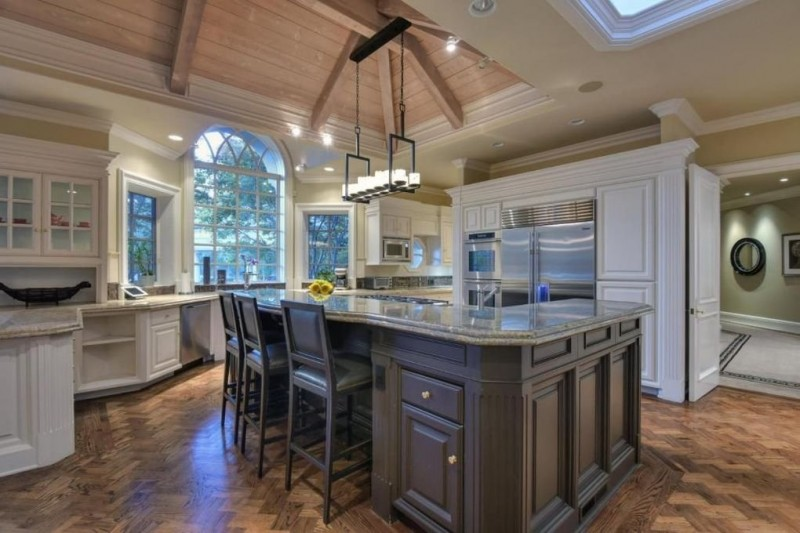 Billionaire Jeff Skoll Lists Silicon Valley Mansion For