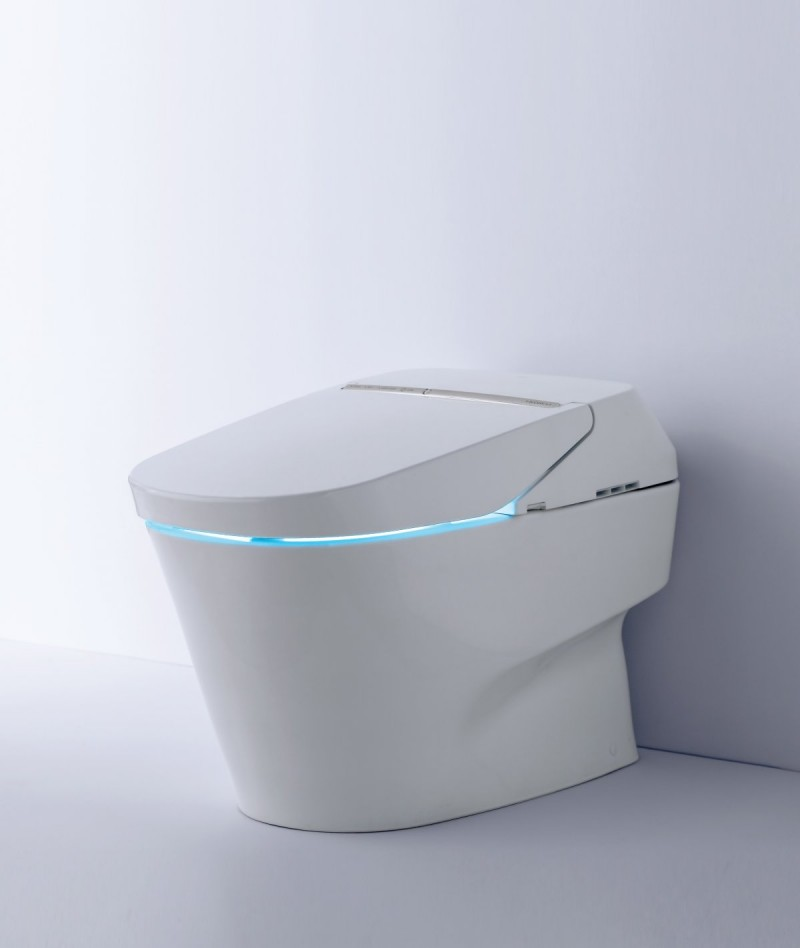 This 10k Smart Toilet Comes With a Wireless Remote
