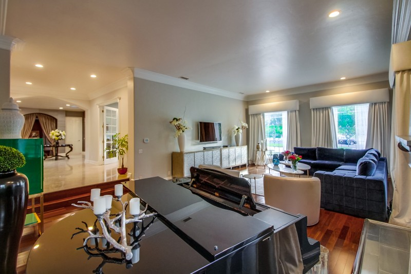 Comedian Mike Epps 35M Home in Encino Finds a Buyer