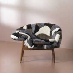 Fried Egg Chair Reupholster Office Arms Warm Nordic Brings Back Hans Olsen S In Sheepskin And The Was Released With Approval Of Estate It Available Hand Stitched Moonlight White Scandinavian Gray
