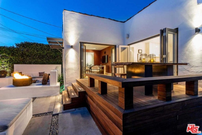 Suits Star Sarah Rafferty Lists LA Home for 24M