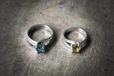 OJ11 -silver 4 claw setting with choice of : Amethyst / Peridot / Zircon / Garnet