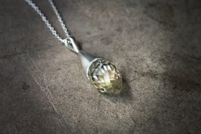 OJ6 -silver cone pendant with faceted Quartz and silver chain