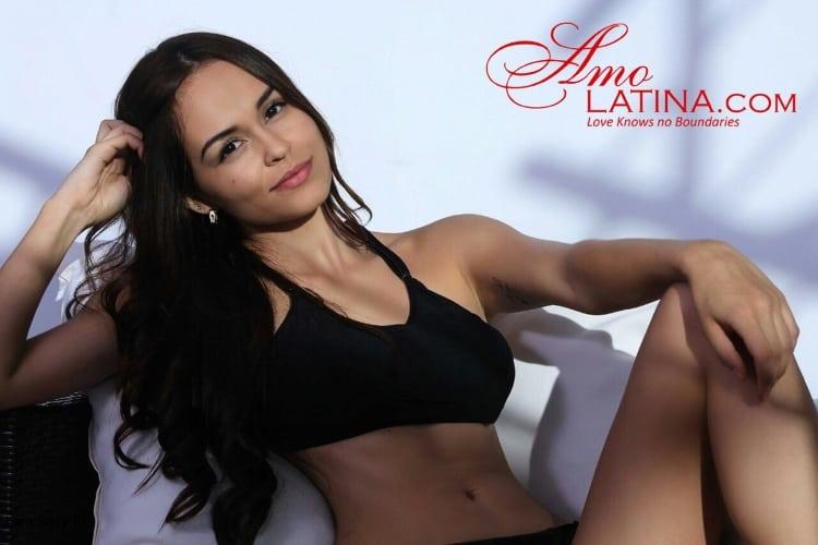 Date Colombian Woman